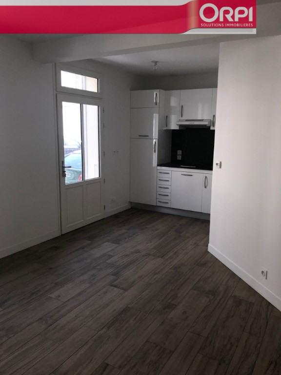 Sale apartment La rochelle 247600€ - Picture 2