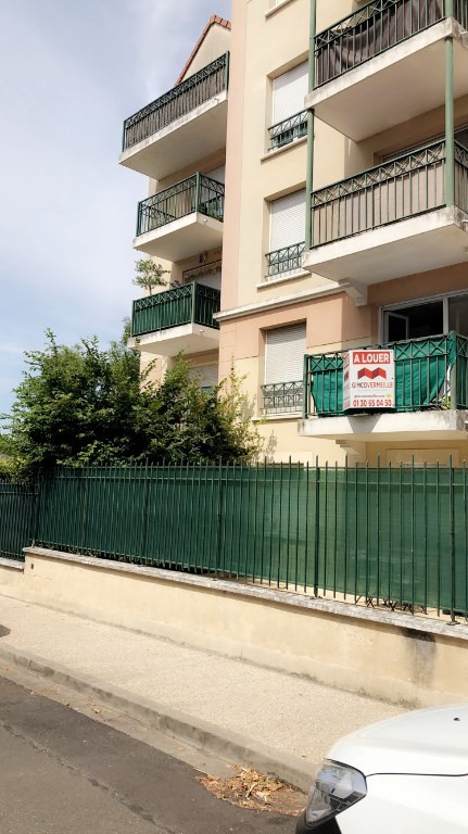 Rental apartment Poissy 1095€ CC - Picture 2