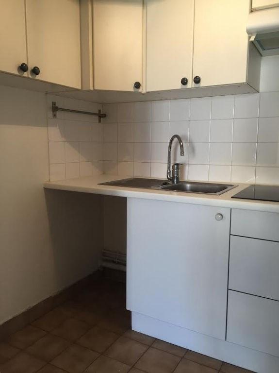 Rental apartment Issy les moulineaux 1274€ CC - Picture 3