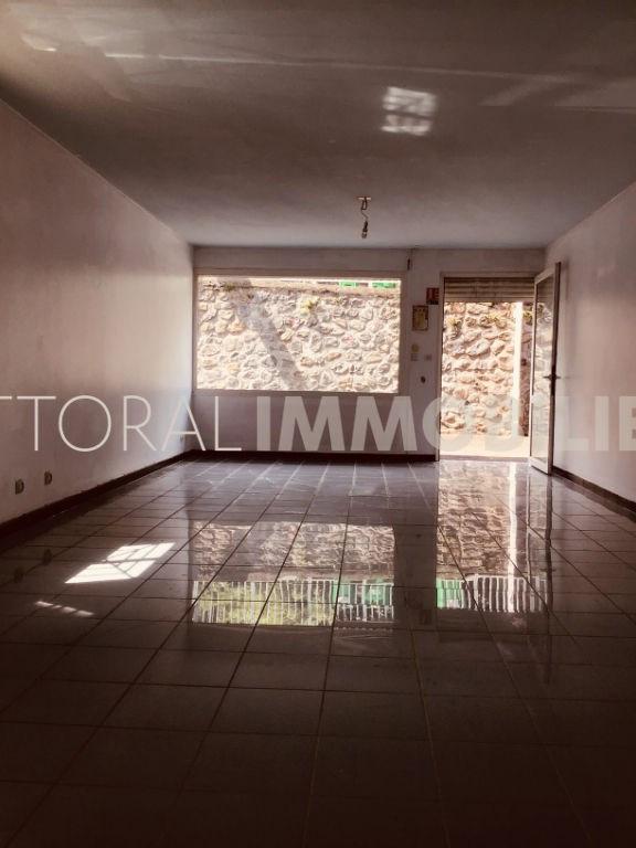 Rental empty room/storage Saint gilles les hauts 650€ HC - Picture 1