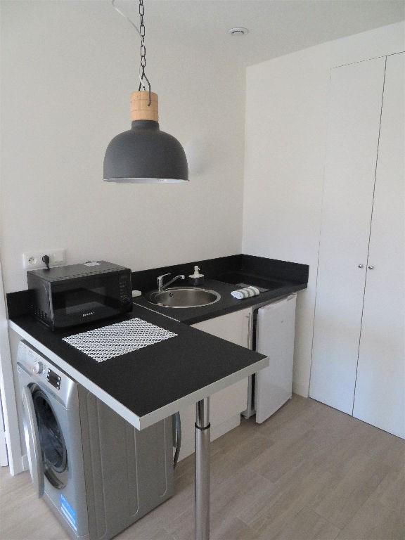 Location appartement Lyon 6ème 782€ CC - Photo 2