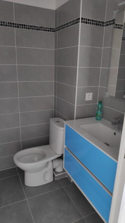 Affitto appartamento Saint laurent du var 450€ CC - Fotografia 6