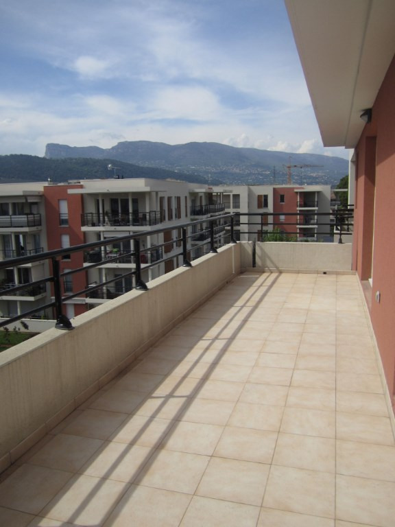 Sale apartment Nice 305000€ - Picture 1