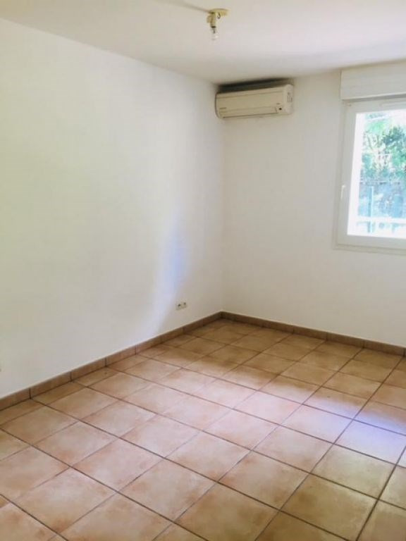 Location appartement Saint denis 498€ CC - Photo 2