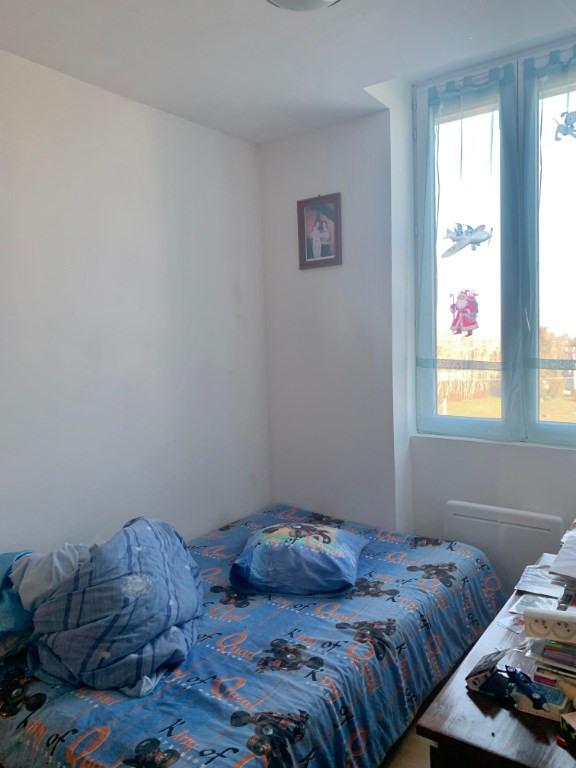 Rental apartment Saint andre le gaz 510€ CC - Picture 5