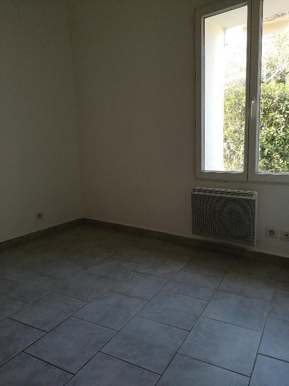 Location appartement Carnoules 715€ CC - Photo 3