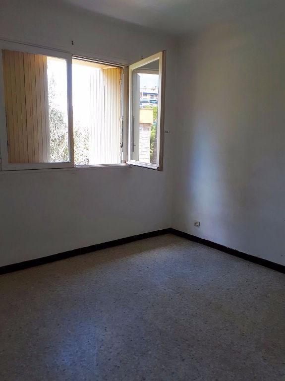 Sale apartment Saint laurent du var 185000€ - Picture 10