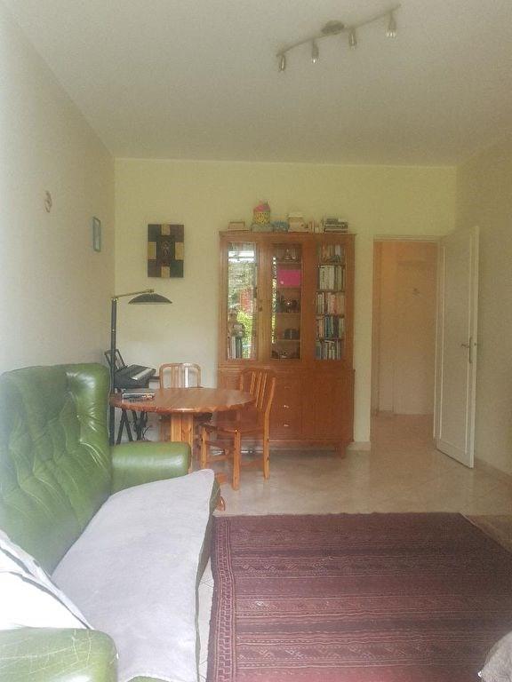 Rental apartment St germain en laye 1185€ CC - Picture 2