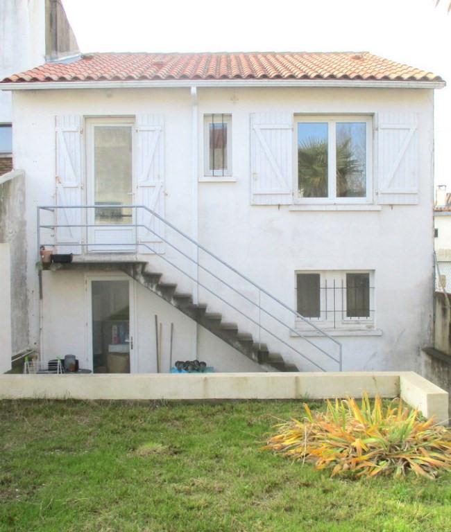 Produit d'investissement immeuble Royan 305660€ - Photo 1