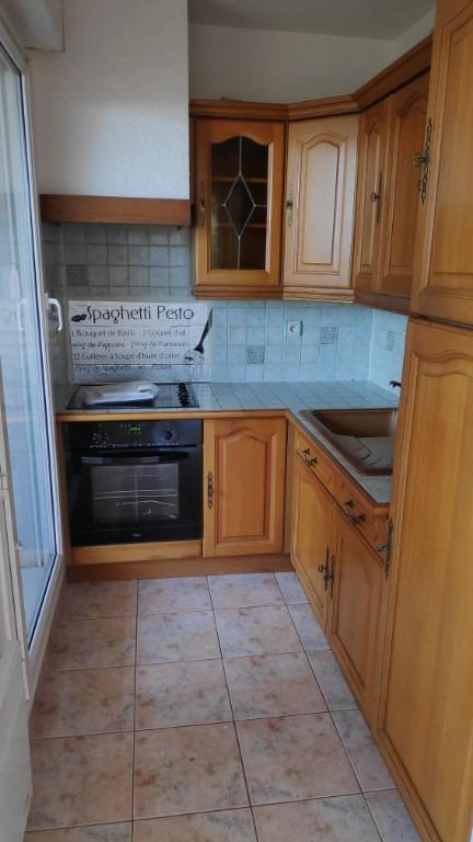 Location appartement Saint laurent du var 890€ CC - Photo 7