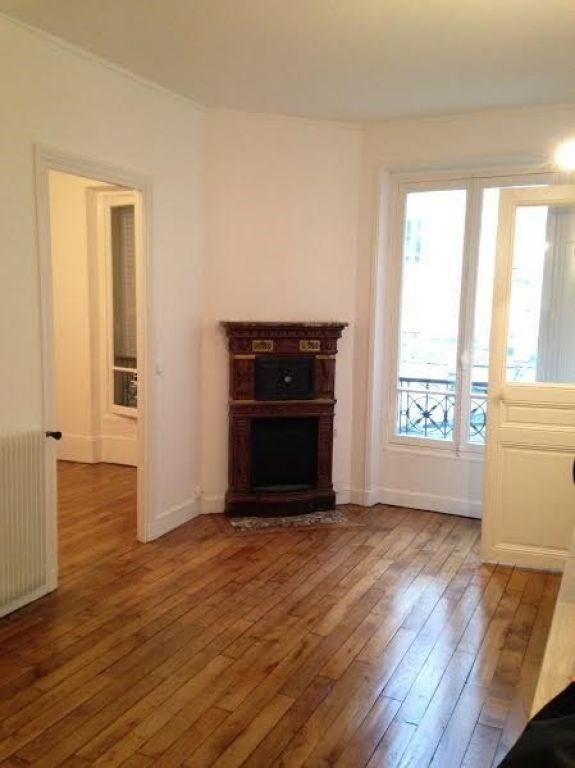 Rental apartment Levallois perret 1073€ CC - Picture 1