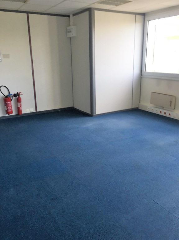 Rental empty room/storage Louveciennes 732€ CC - Picture 2