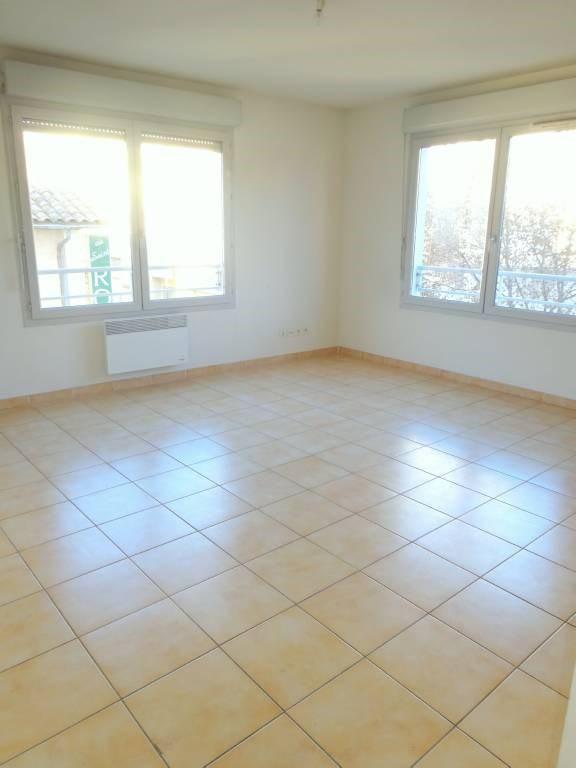Rental apartment Avignon 504€ CC - Picture 3