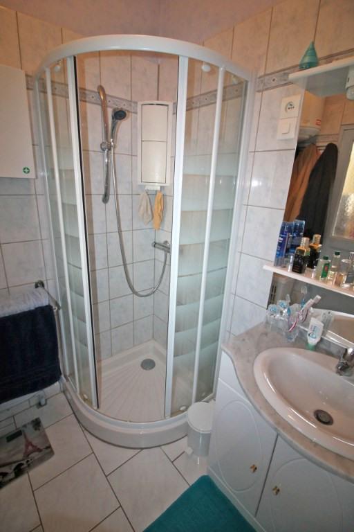 Sale house / villa Ruille sur loir 83000€ - Picture 12