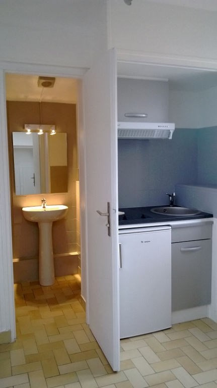 Location appartement La rochelle 385€ CC - Photo 3