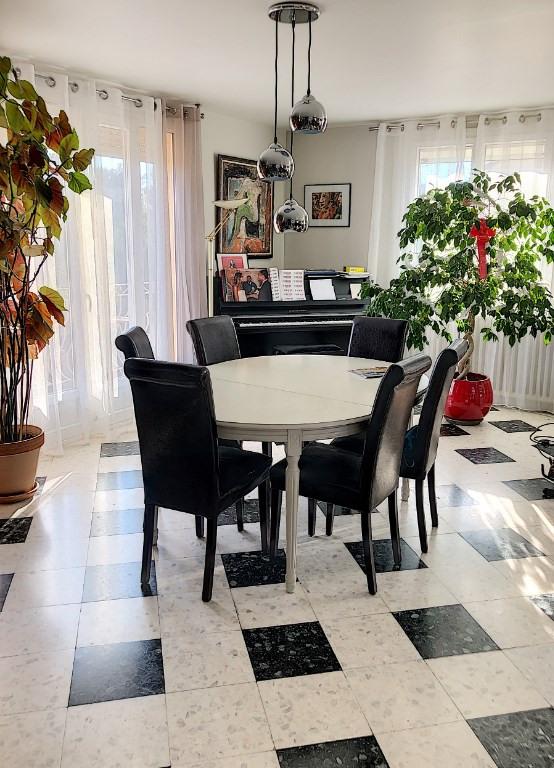 Sale house / villa Villeneuve les avignon 418000€ - Picture 2