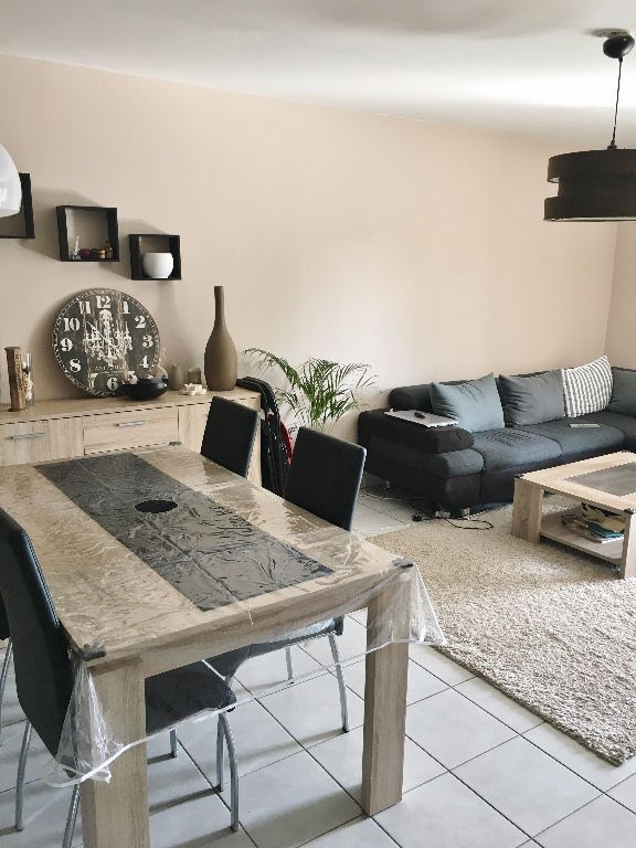 Investment property apartment L isle d abeau 145000€ - Picture 1