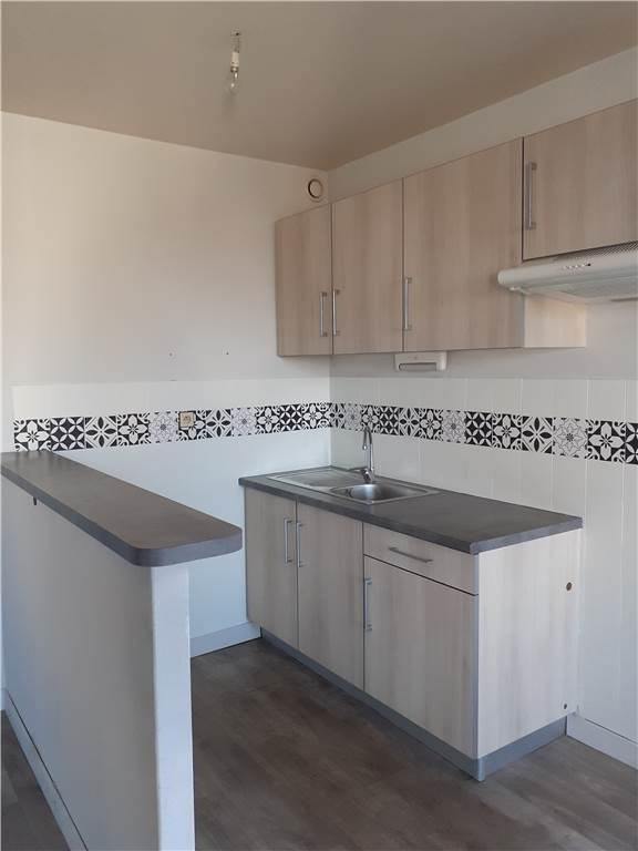 Location appartement Laissac 389€ CC - Photo 1