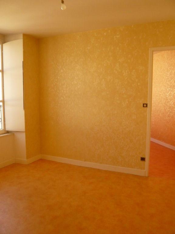 Rental apartment Laval 360€ CC - Picture 3