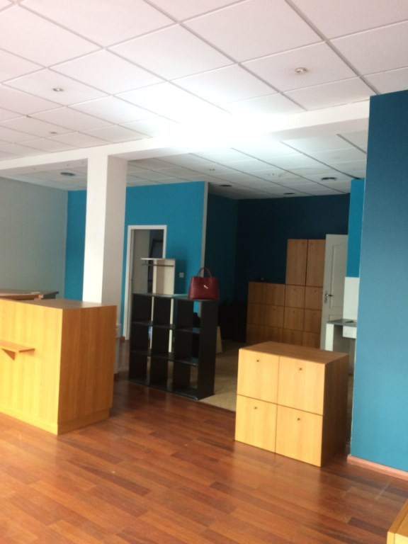 Location local commercial Quimper 800€ CC - Photo 3