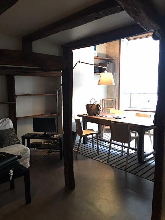 Location appartement Paris 4ème 1150€ CC - Photo 3