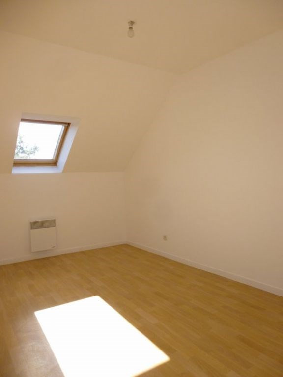 Location maison / villa Grentheville 762€ CC - Photo 10