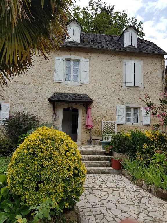 Sale house / villa Gan 273000€ - Picture 1