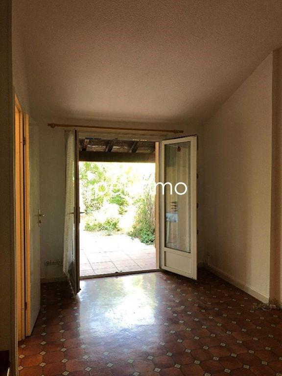 Location maison / villa Eyguieres 630€ CC - Photo 5