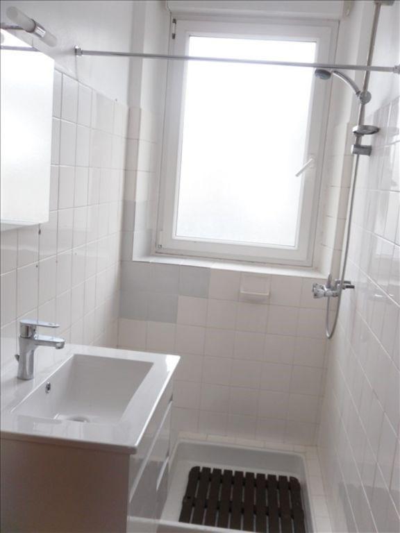 Rental house / villa Saint thurien 505€ CC - Picture 5