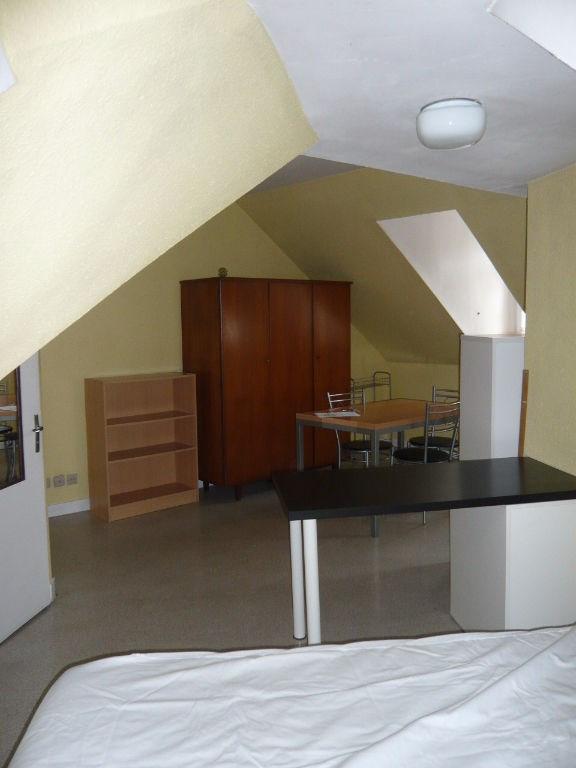 Location appartement Laval 275€ CC - Photo 2
