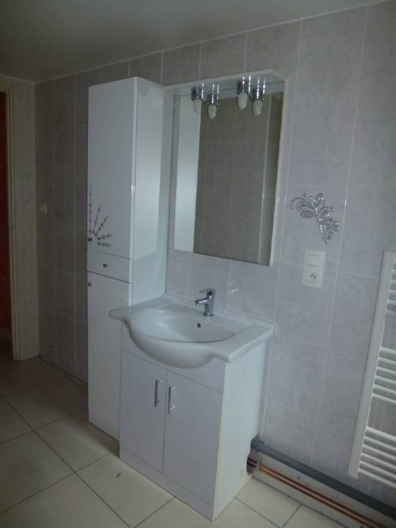 Location appartement Rives 460€ CC - Photo 3
