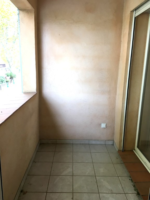 Location appartement Luynes 951€ CC - Photo 8