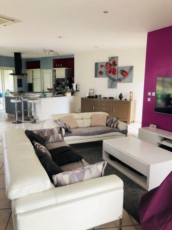 Sale house / villa Cherves richemont 299000€ - Picture 2