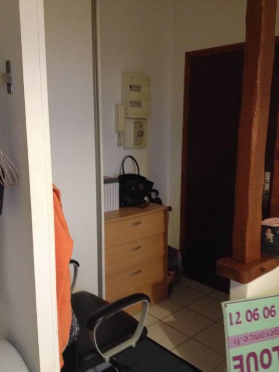 Location appartement La ville-du-bois 796€ CC - Photo 4