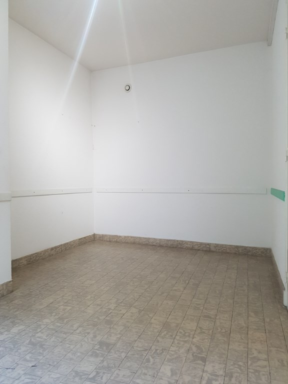 Rental empty room/storage Aire sur l adour 500€ CC - Picture 5