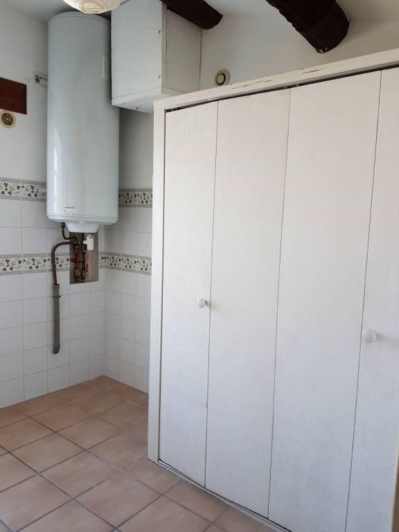 Location maison / villa Domazan 570€ CC - Photo 8