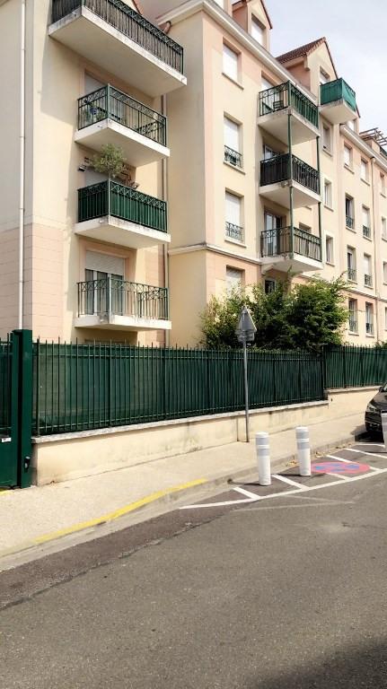 Rental apartment Poissy 1095€ CC - Picture 1