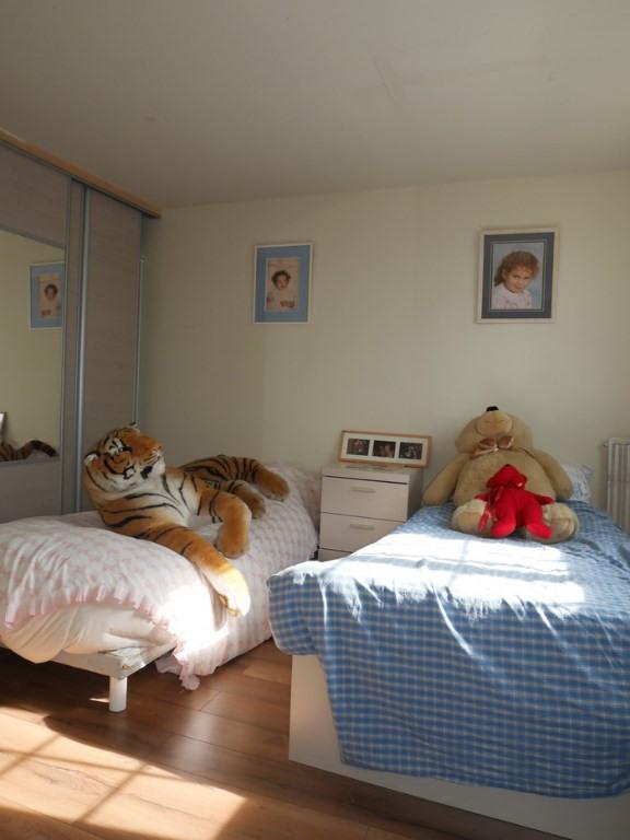 Sale house / villa Montigny les cormeilles 246700€ - Picture 7