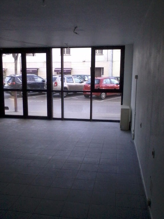 Location local commercial Bourgoin jallieu 668€ CC - Photo 3