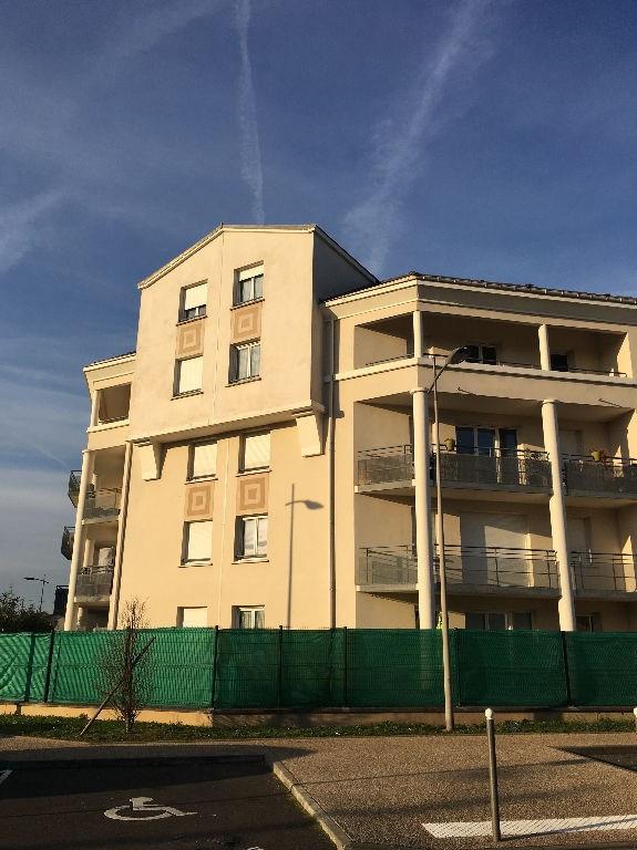 Location appartement Villeneuve st georges 707€ CC - Photo 1
