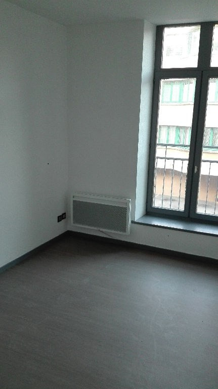 Rental apartment St omer 499€ CC - Picture 3