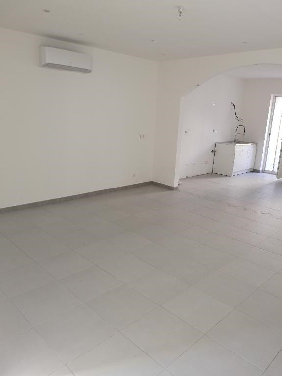 Sale apartment Carnoules 159 000€ - Picture 3