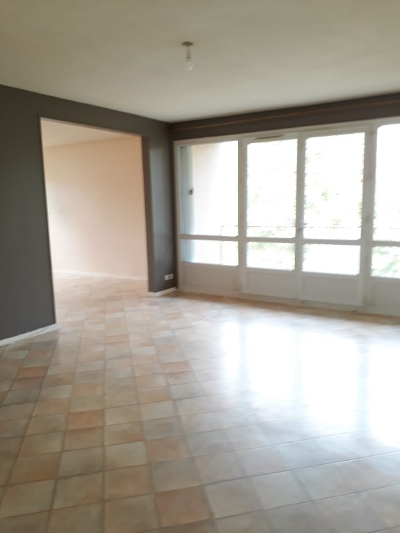 Location appartement Isle 620€ CC - Photo 2