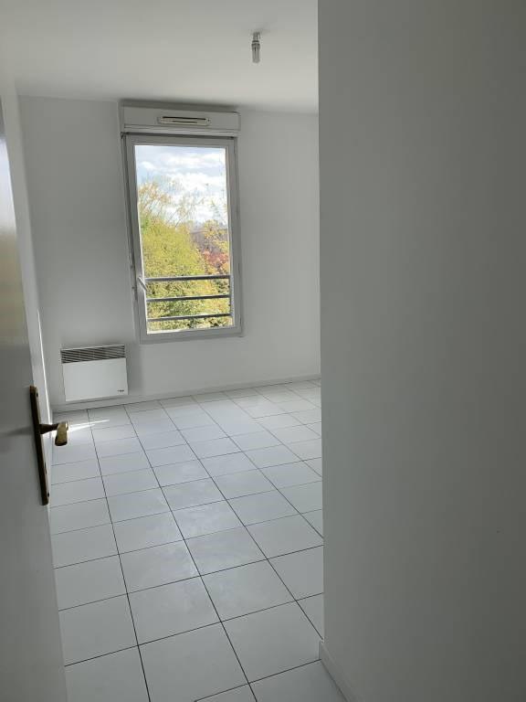 Rental apartment Bretigny-sur-orge 761€ CC - Picture 4