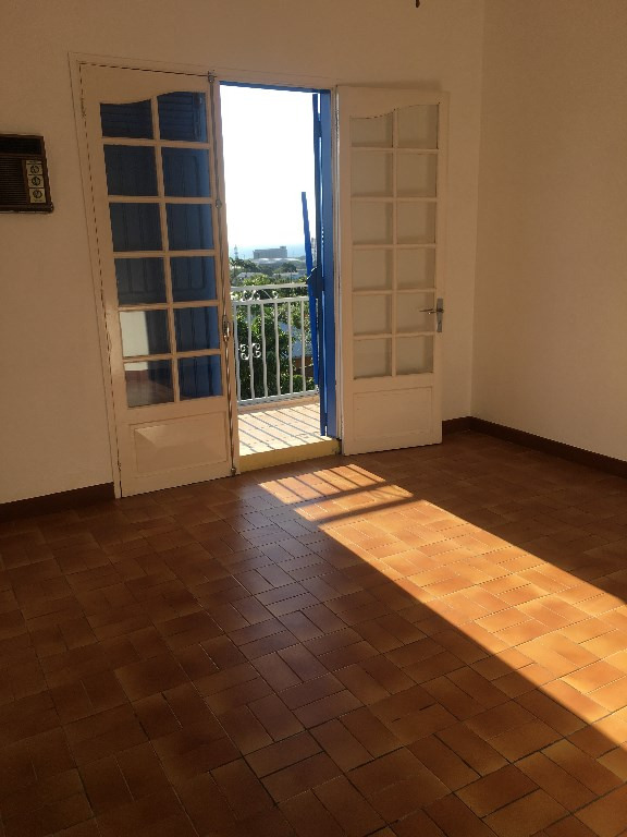 Rental house / villa La possession 1 500€ CC - Picture 3