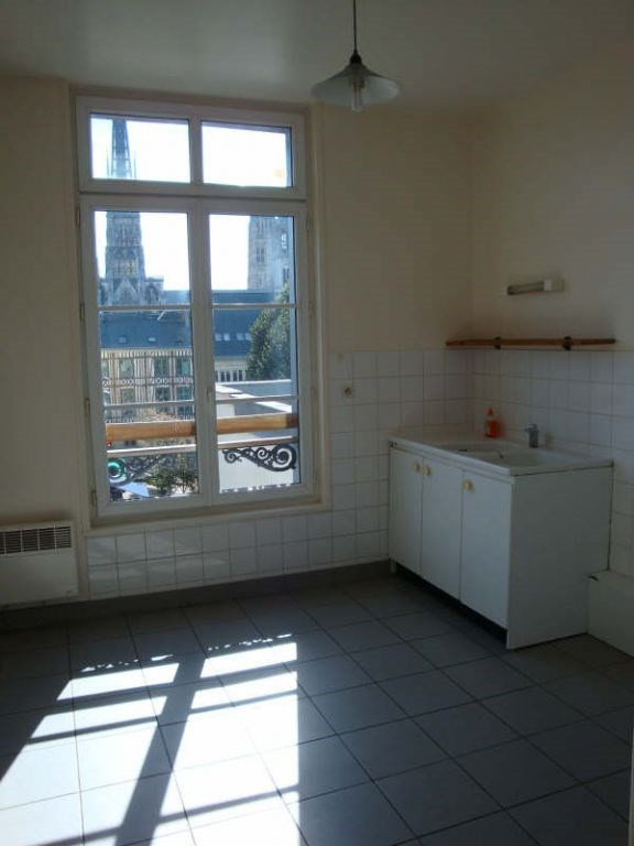 Rental apartment Rouen 604€ CC - Picture 1