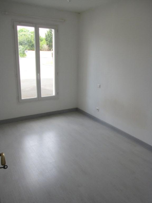 Rental apartment La rochelle 710€ CC - Picture 2