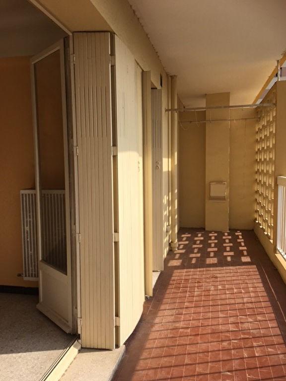 Sale apartment Saint laurent du var 185000€ - Picture 5