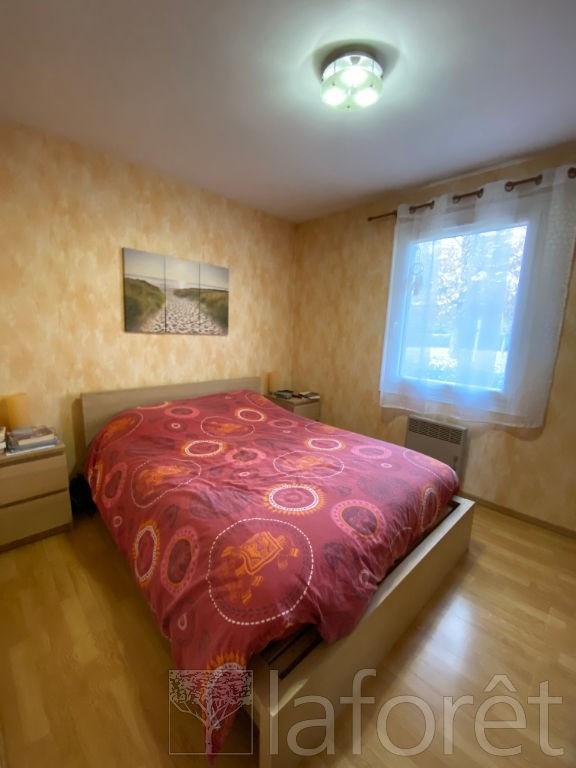 Sale house / villa L isle d'abeau 350000€ - Picture 6