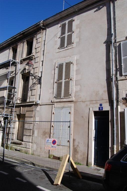 Location maison / villa La rochelle 842€ CC - Photo 1